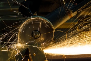 sharpening and cutting of iron by abrasive disk machine